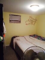 NICE ROOM FOR RENT 750-850 A MONTH