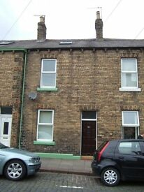 Large single bedroom, in 3 bedded house. Student let / accommodation / housing