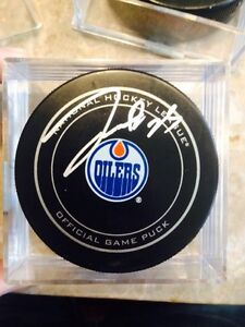 Oilers signed hockey pucks  Strathcona County Edmonton Area image 2