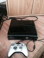 Xbox 360 slim  250 gb and 19 games