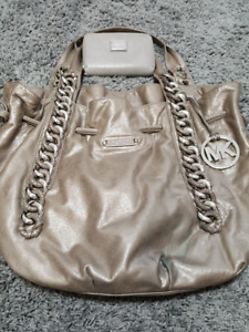 Authentic Michael Kors Purse and wallet - GUC