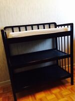 Baby changing table and contour pad with security belt