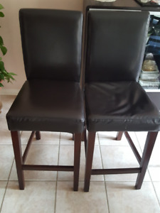 Beautiful mint condition bar & counter Stools for sale
