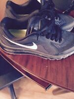 2015 air max runners like new... Mens size 11