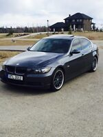BMW 330i 2006 mint/fully loaded