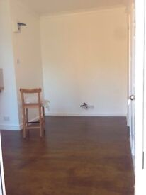 Room/studio in Friern Barnet lane London N20