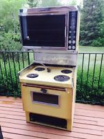 Vintage Range & Convection Oven (Harvest Gold)