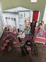 Barbies, maison et kit de gymnastique