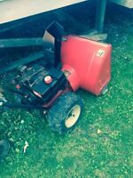 MTD 10/28 snowblower