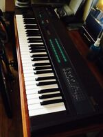 Urgent! Vintage Yamaha DX9 Synth for Quick Sale