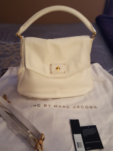 MARC BY MARC JACOBS STAR WHITE LEATHER HOBO/ CROSSBODY BAG #M000
