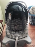 Infant car seat for sale 40$ GLACE BAY