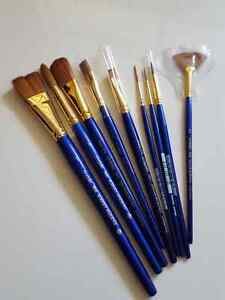 Lot of 9 Sapphire Watercolour Brushes