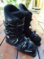 Rossignol barely used skiing boots