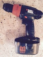 Black and Decker 18 Volts drill - perceuse