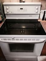 Stove, like new, self cleaning, white.