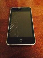 Fully functioning IPod touch with a cracked screen