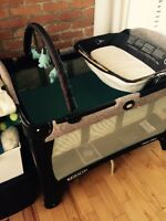 Baby crib, play pen, 2 bassinets, jolly jumper