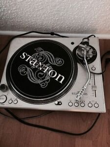 Stsnton 100 st direct drive pro turntable.