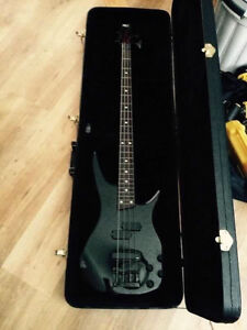 Ibanez Soundgear Bass and case