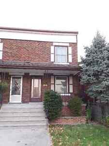 1101 Elsmere, Windsor