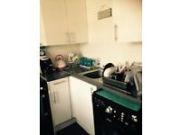 2 BEDROOM FLAT IN CHINGFORD FOR 3 BED IN SURROUNDING AREAS