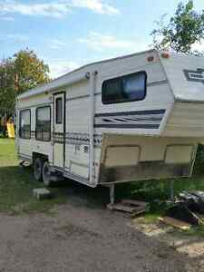 Travelaire 5th Wheel Camper