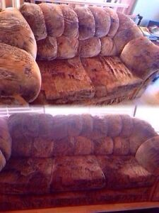 Couch and Loveseat set - Excellent condition