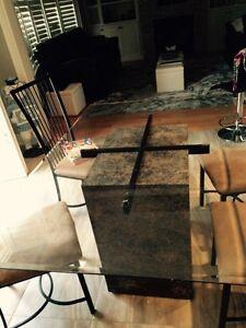 Glass kitchen table and 4 chairs Oakville / Halton Region Toronto (GTA) image 1