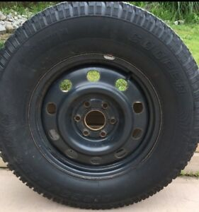 4 Cooper Discover winter tires for sale with rims