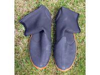Neoprene wetsuit boots