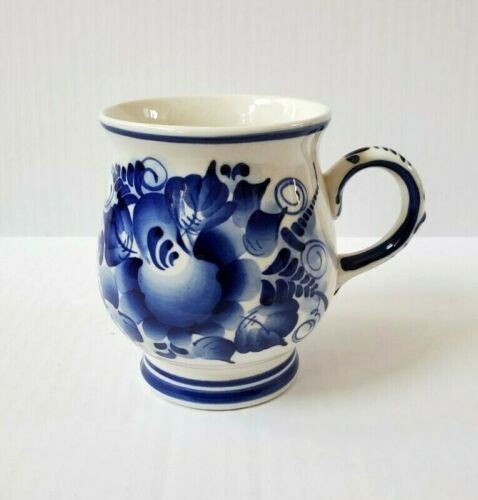 Gzhel Made in Russia Pedestal 16 OZ Mug Hand Painted Blue Floral