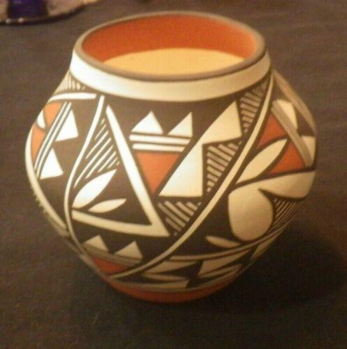 Acoma Pueblo hand coiled pottery stylized bird & geometric designs pot