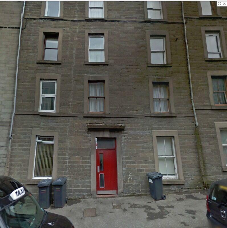 2 Bedrooms + Lounge Top Floor Flat - West End Dundee