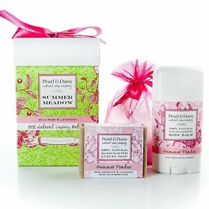NEW! Pearl & Daisy Bath Gift Set
