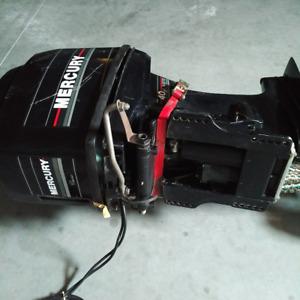 moteur mercury 40HP 2 temps injection