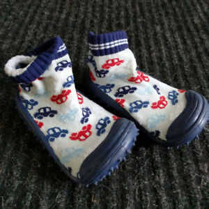 Tickle Toes skidproof sock shoes
