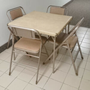 Samsonite table and 4 chairs