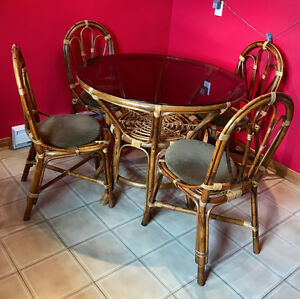 Rattan dining room set with 4 chairs