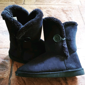 f3436fcb9c9 ugg boots in Townsville Region, QLD | Clothing & Jewellery | Gumtree ...