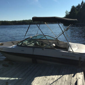 Bow Rider - 2008 Fourwinn Horizon 180 with trailer