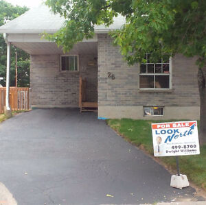 House for Rent! Walk to School & Hospital! LOCATION!
