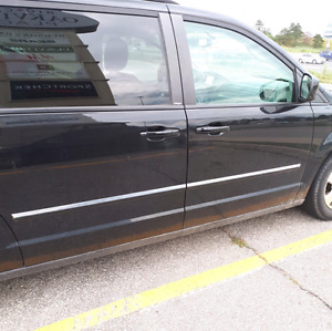 2009 Dodge grand caravan sxt full stow n go 4.0 engine
