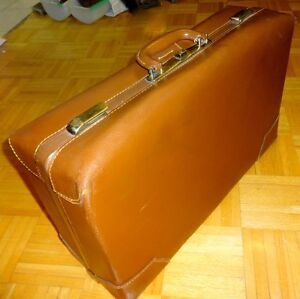 VINTAGE LEATHER SUITCASE // 1940S 1950S // BRASS // MINT Antique Mid-Century // GOLDEN BROWN VALISE