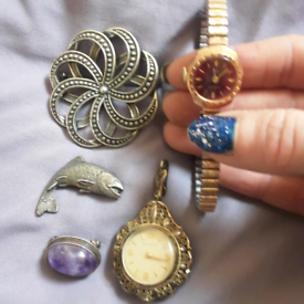 Brooches and watches