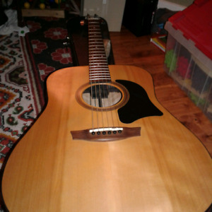 Garrison G10-E acoustic guitar with Hard case (Canadian made)