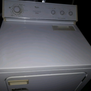 WHIRLPOOL DRYER IN GREAT CONDITION