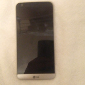 LG G5 32 gig phone for sale