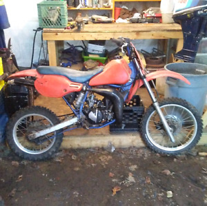 Dirt bikes with that need a magnetio and 3rd parts