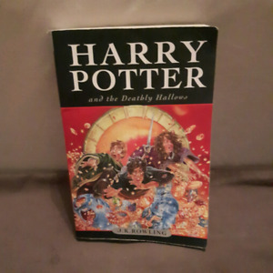 Harry Potter and the deathly hollows, JK Rowling